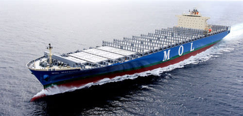 container ship cargo ship / post-Panamax