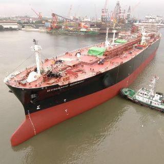 oil tanker cargo ship / LPG carrier / VLCC