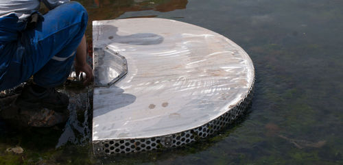 weir oil skimmer / vacuum / sheltered waters / river