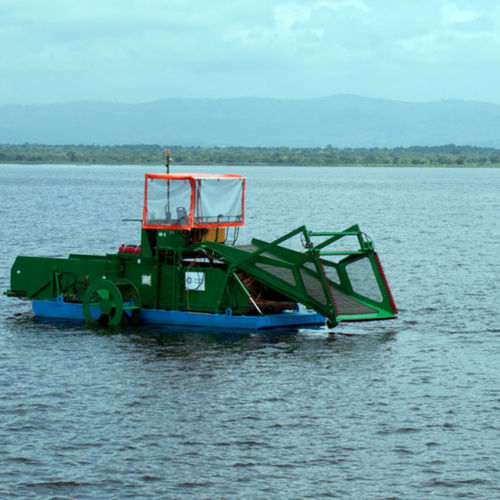 weed harvester boat / inboard / aluminum