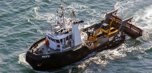 dredger professional boat / inboard