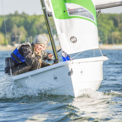 double-handed sailing dinghy / recreational / instructional / asymmetric spinnaker