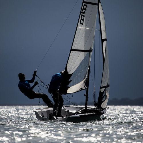 double-handed sailing dinghy / regatta / skiff / single-trapeze
