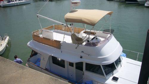 motor boat Bimini top