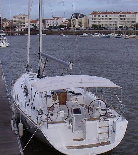 sailboat Bimini top