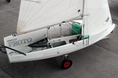 children's sailing dinghy / single-handed / instructional / catboat
