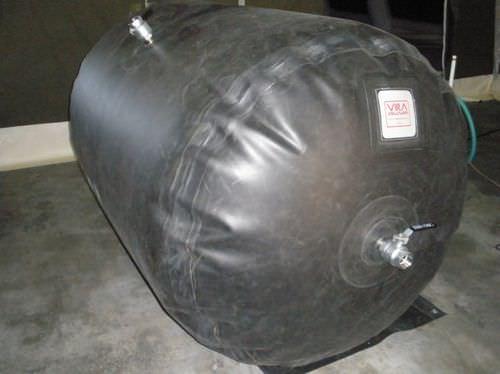 liquid tank / temporary storage / bendable