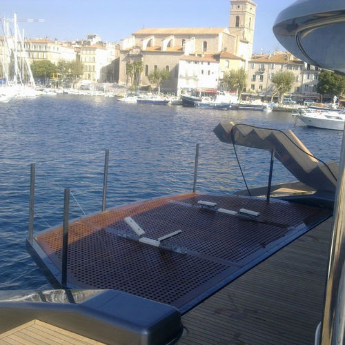 boat platform / for yachts / for tenders / lifting