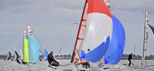 single-handed sailing dinghy / skiff / asymmetric spinnaker / single-trapeze