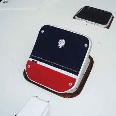 protective cover / boat / deck hatch