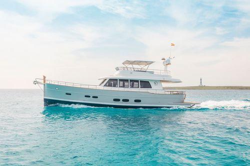 classic motor yacht - Sasga Yachts