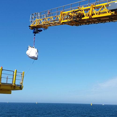 offshore service vessel gangway / telescopic / hydraulic