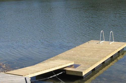 dock gangway