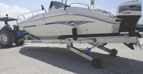 handling trailer / launching / for boats / hydraulic
