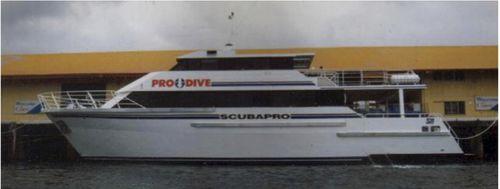 dive motor yacht