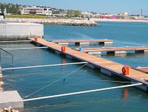 floating dock bracket