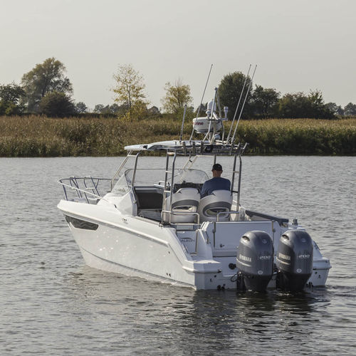 outboard cabin cruiser / twin-engine / open / sport-fishing