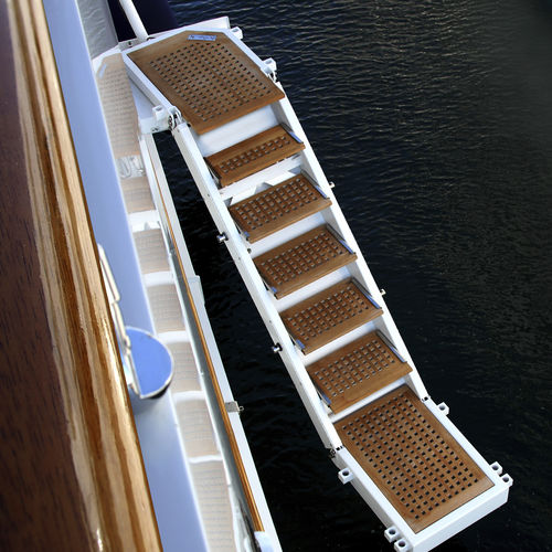 boarding ladder / for boats / for yachts / lateral