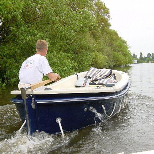 inboard small boat / electric / 7-person max.