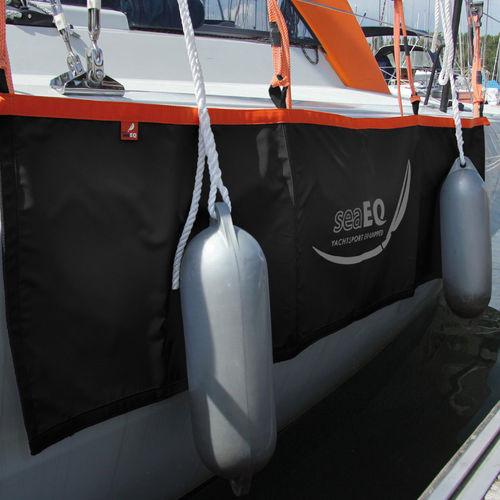 boat fender / dock / flat