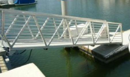 dock gangway / aluminum