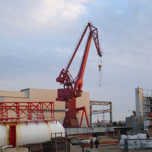 boom crane / shipyard / double