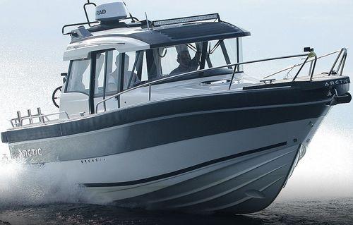 inboard cabin cruiser / twin-engine / hard-top / fishing