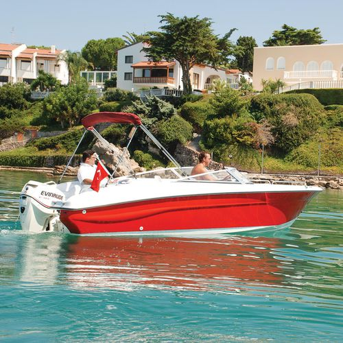 outboard runabout / bowrider / sport / 6-person max.