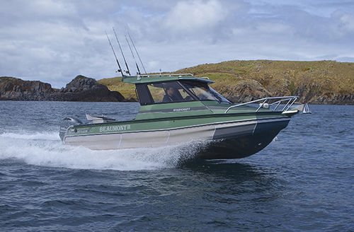 outboard walkaround / with enclosed cockpit / sport-fishing / 8-person max.