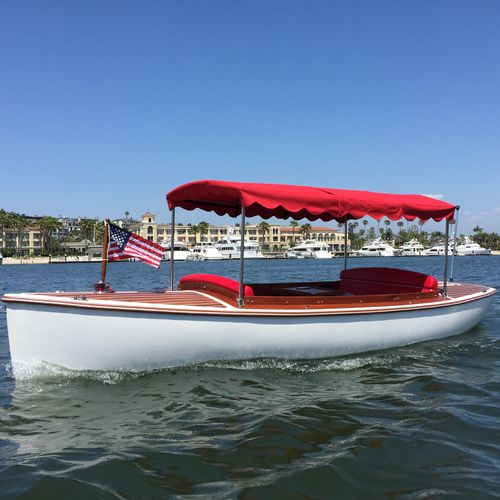 electric small boat / outboard / fiberglass / classic