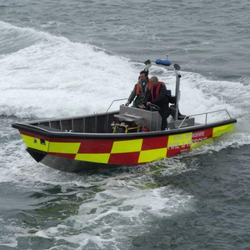 rescue boat / inboard