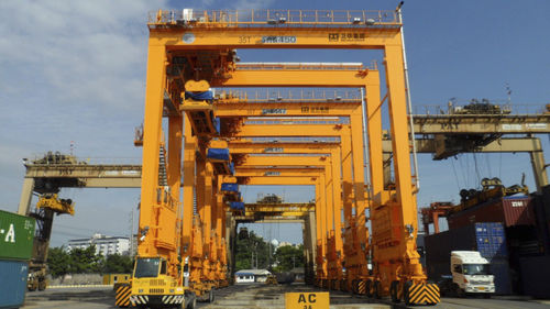 container gantry crane