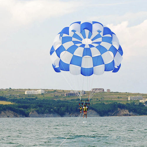 1-4 persons parasail
