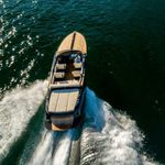 inboard express cruiser / electric / twin-engine / open