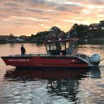 work boat professional boat / search and rescue boat / landing craft / fireboat