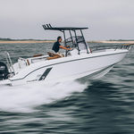 outboard center console boat