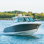 outboard express cruiser / twin-engine / hard-top / dual-console