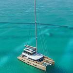 cruising sailing yacht / deck saloon / flybridge / 4-cabin