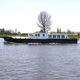 inboard express cruiser / wheelhouse / canal