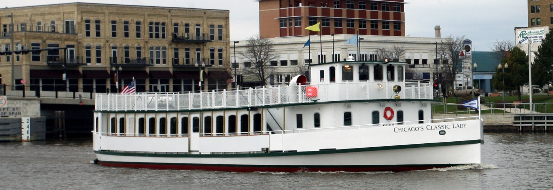 Chicago's Classic Lady. Burger Boat Company image
