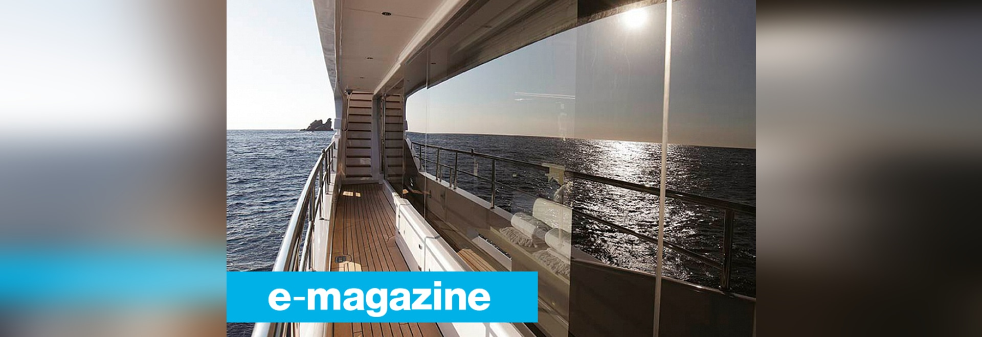 Glazing at Cannes Yachting Festival