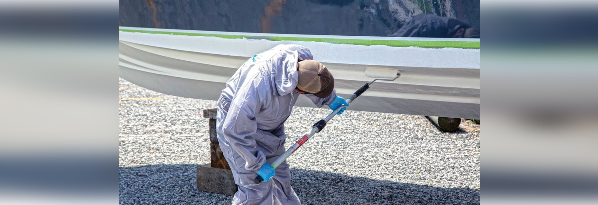 Keep algae, animals or plants off your hull with the proper bottom paint.