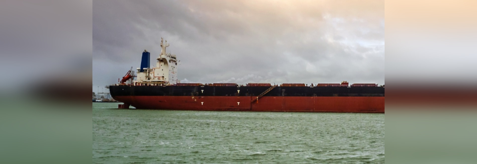 Safe Bulkers Installs, Commissions Its First Scrubber