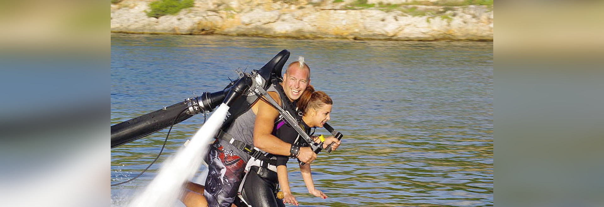 Water surface water jetpack / for diving