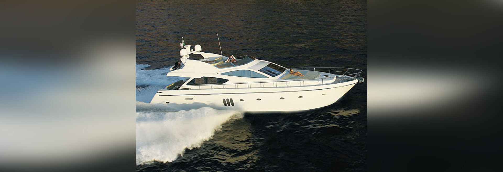YACHTING CHANGECOLOR TO PERSONALIZE YOUR BOAT