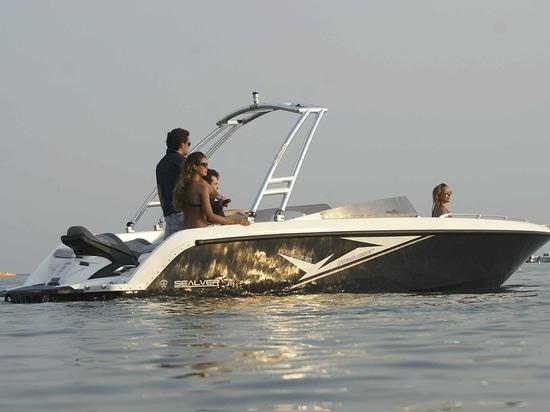 The Wave Boat 656 & 525 at Salone Nautico Puglia