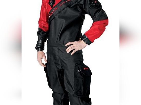 NEW: dive suit by Hollis