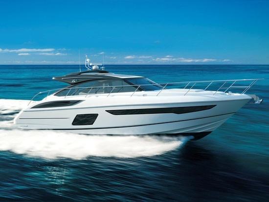 NEW: hard-top motor-yacht by Princess