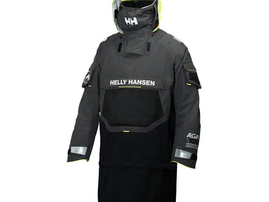 NEW: offshore sailing spray-top by Helly Hansen