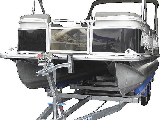 Pontoon boat trailers